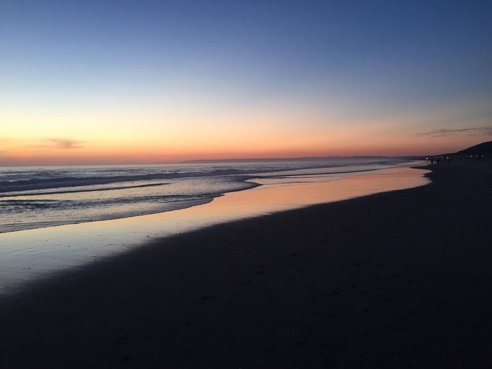 Imagen del atardecer de la playa de Zahara de los Atunes