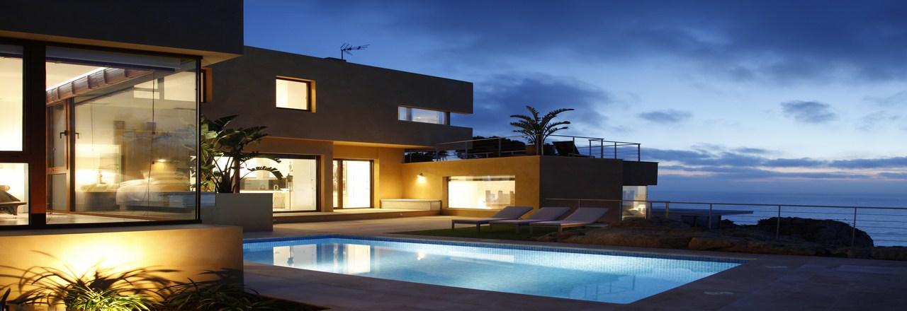 Zahara villas servicios inmobiliarios en zahara de los for Casas con piscina zahara delos atunes