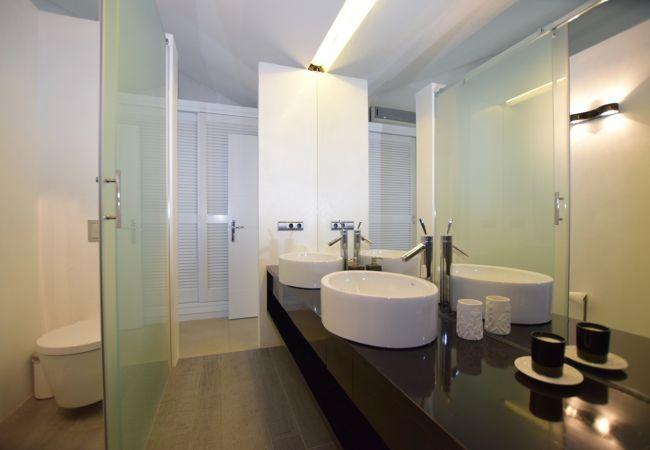 Barbaria - Baño Dormitorio 3