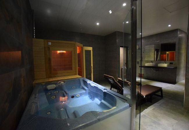 Essencia - Jacuzzi interior, sauna y baño turco