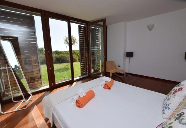 Atlántico IV - Dormitorio doble 3 con acceso al jardín