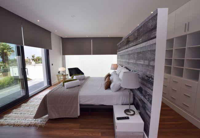 Essencia - Dormitorio doble con vestidor