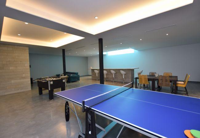 Essencia - Sala de estar y juegos