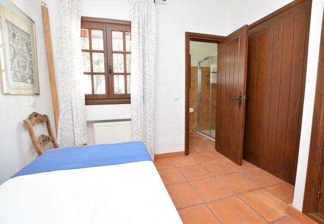 Al Amireh - Dormitorio 1 planta principal(3)