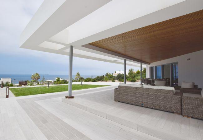 Villa Camarinal - Porche